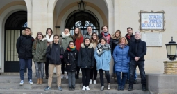 Estudiantes aprenden sobre Multibiosol
